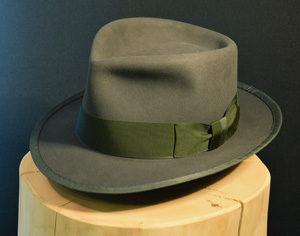 Biberfilz Fedore Hut mit gebundener Krempe