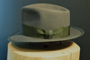 Biberfilz Fedore Hut mit gebundener Krempe 2