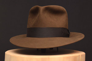 light sable indiana jones kingdom crytsal skull fedora hat hut 1