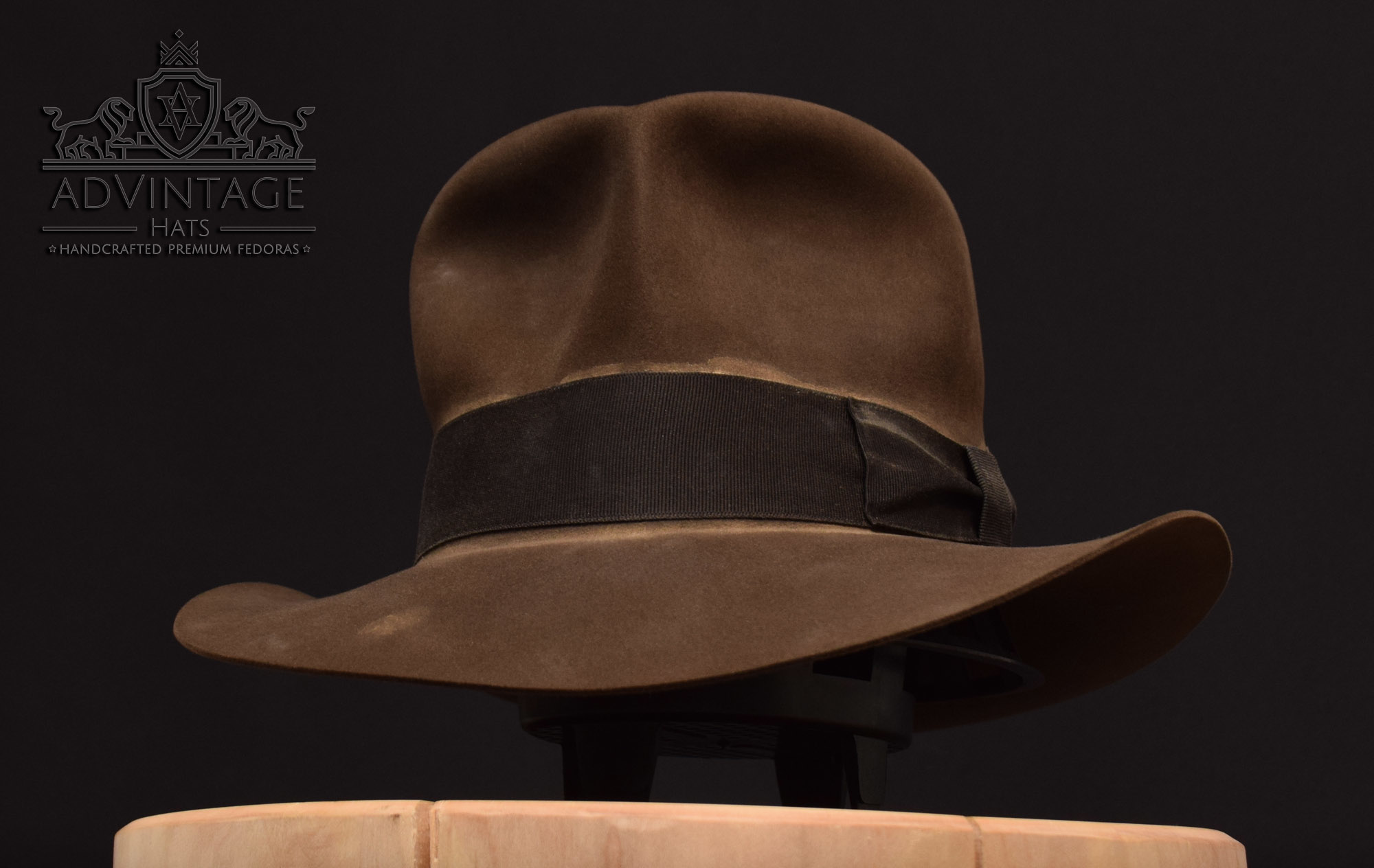 Streets of Cairo Fedora hat hut soc indiana jones indy light-sable