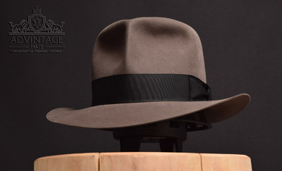 Clipper / Travel Fedora hat (Raiders Style) in Smoke-Grey