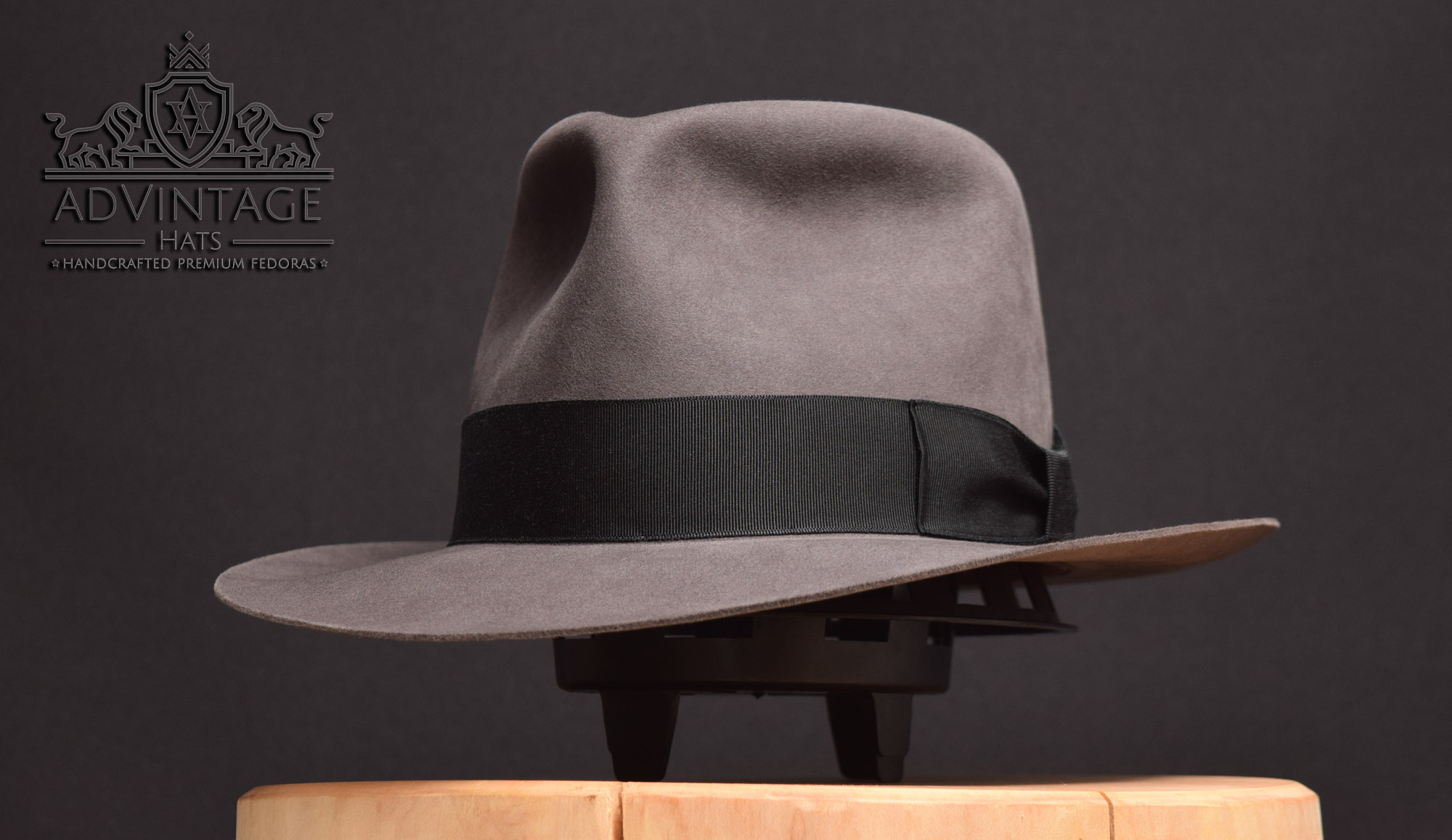 advintage masterpiece fedora hut hat kingdom crystal skull grey